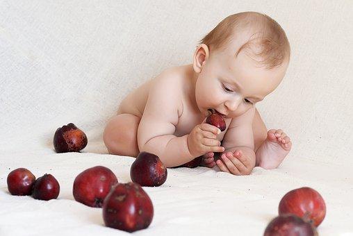 inlocuire,alimente,bebelus,copil,diversificarea bebeluşilor,hrana,6 luni,diversificare,nutritie,pediatrica,alimentație,lapte,sugar,bebelușului,fructe,carne